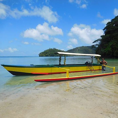 Outrigger canoe Huahine Dream Tours
