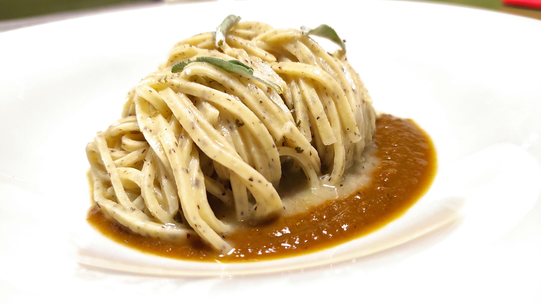Tagliolino al tartufo - Burro - Salvia - Sugo d'arrosto