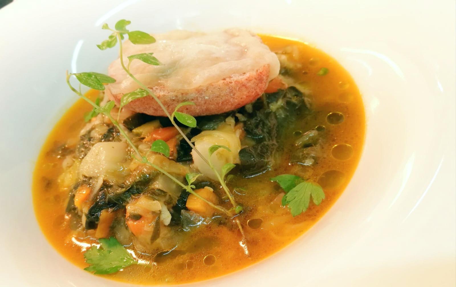 Zuppa di cavolo - Pane - Formaggio