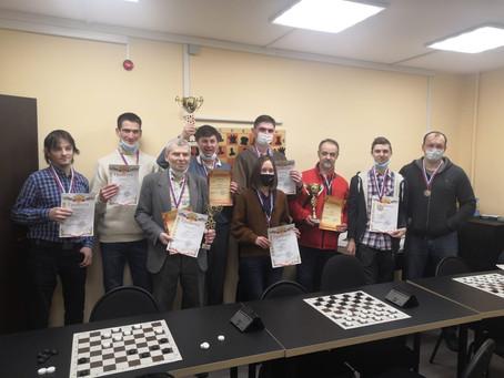 Третье место среди взрослых по шашкам