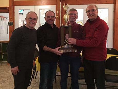 Équipe Marmen remporte le tournoi senior  North Hatley, Corbeil finaliste de la section B