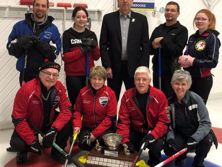 Équipe Verville remporte le tournoi mixte de Lennoxville