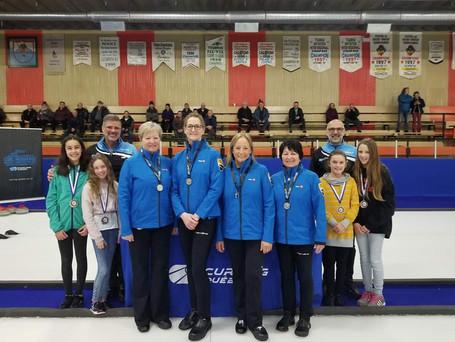 L'équipe senior de Chantal Ouellette gagne la médaille d'argent au provincial senior