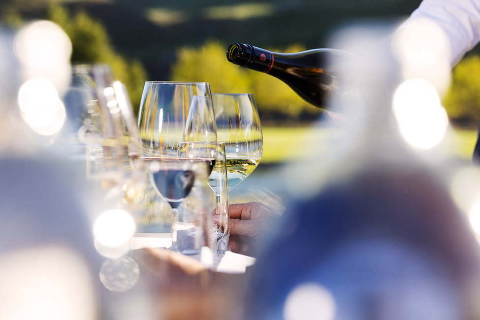20092_Wine_Dining.jpg