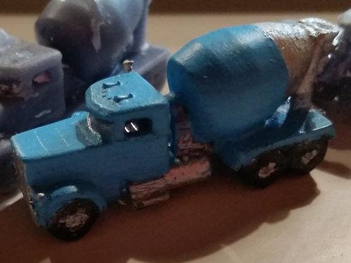 Concrete Mixer truck. - Modern Mack dual axle drive 5metre agitator