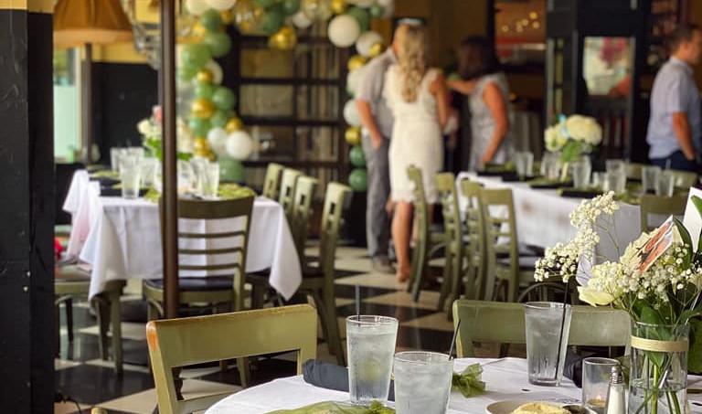 Main Dinning Room - Ballon Arch Example.jpg