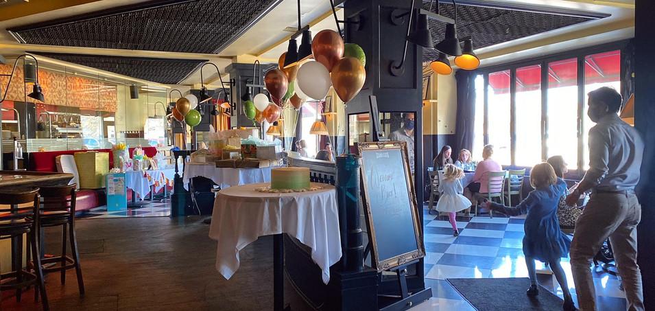 Main Dining Room - Ballon Example.jpg
