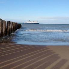 La plage de Calais par @natouc59