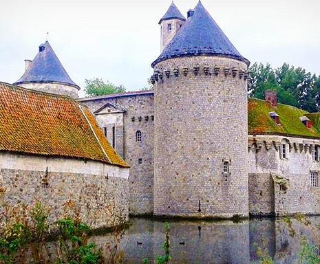 Le Chateau d'Olhain par @margaux.aime.les.chateaux