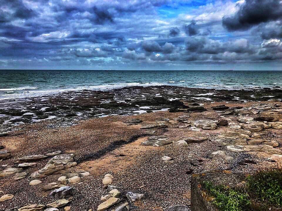 plage d'audresselles dans le nord pas de calais sur la cote d'opale, top 10 des plages du nord, plage de galet, tourisme