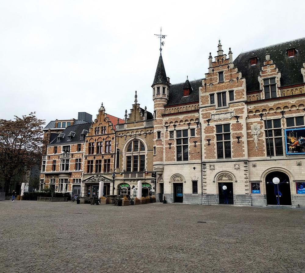 Hotel de ville de Courtrai, construit entre 1420 et 1616