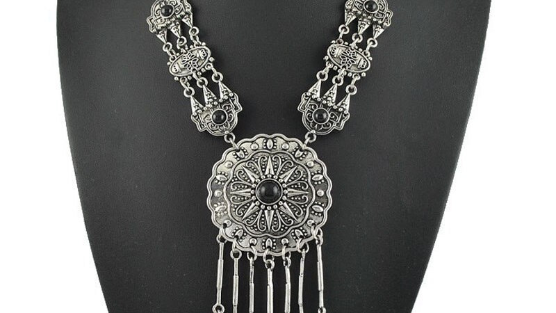 European &American Fashion Bohemian Antique Carved Long Circular Tassel Necklace