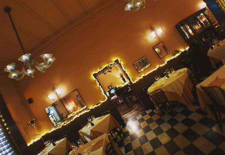 sala-ristorante-porta