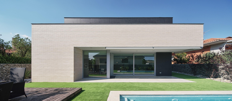 G&P HOUSE