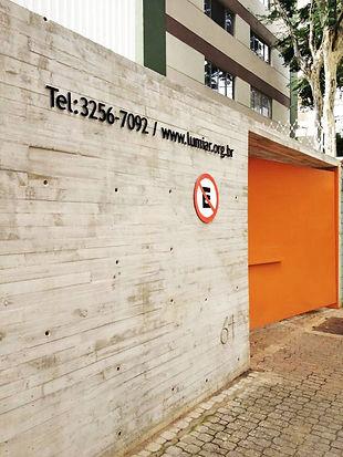 Proposta de façana del projecte de reforma de l'hotel Príncep de Cambrils per fer 16 pisos de luxe / Propuesta de fachada del proyecto de reforma del Hotel Príncep de Cambrils para transformalos en 16 apartamentos de lujo / Facade proposal for the Princep Holtel reconversion project into 16 luxury apartments, in Cambrils