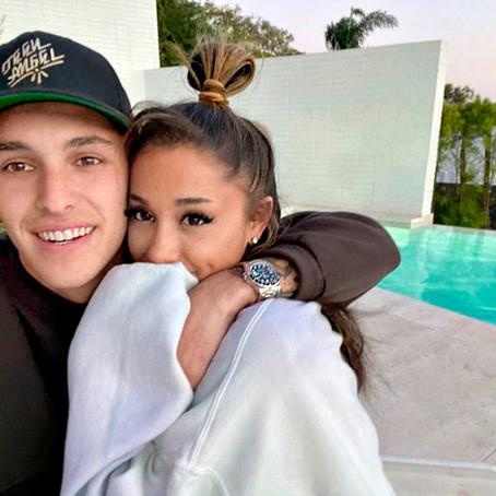 Ariana Grande Secretly Marries Dalton Gomez