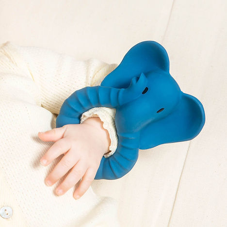 Natruba-elephant_teether-on-arm_2400x.jp