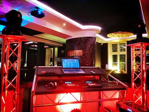 DJ Setup Hotel