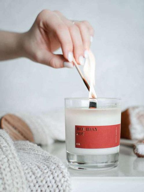 White Candle Соевая свеча с деревянным фитилем Holiday Joy 200 мл