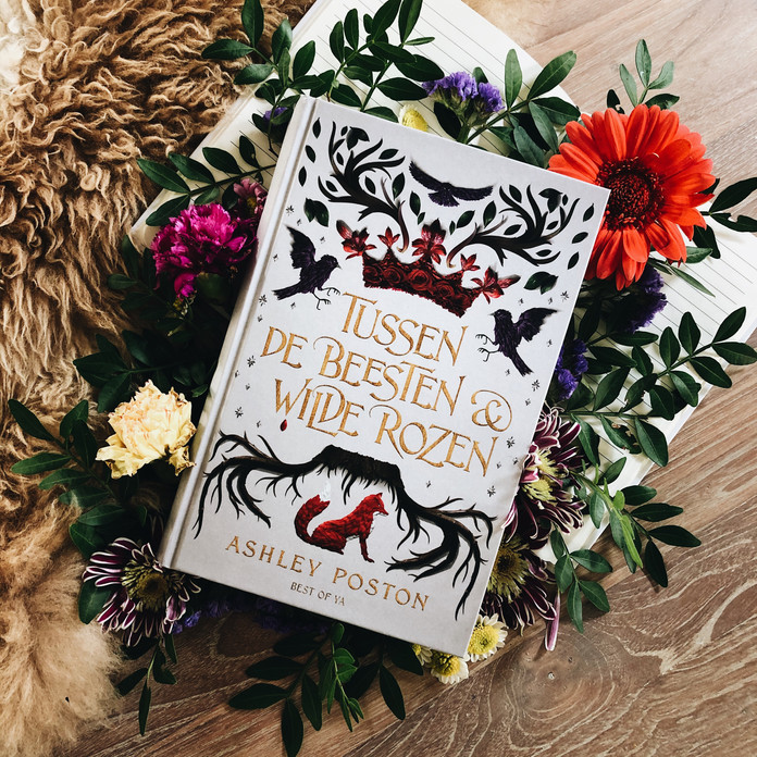 Tussen de beesten en wilde rozen - Ashley Poston