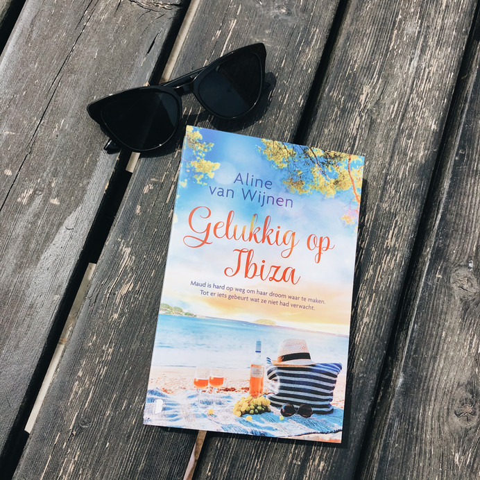 Gelukkig op Ibiza - Aline van Wijnen