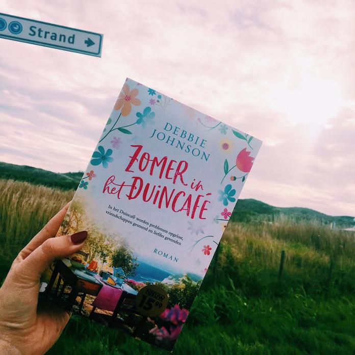 Zomer in het Duincafé – Debbie Johnson
