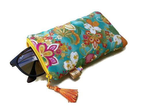 Etui téléphone ou lunettes en tissu japonais fond turquoise