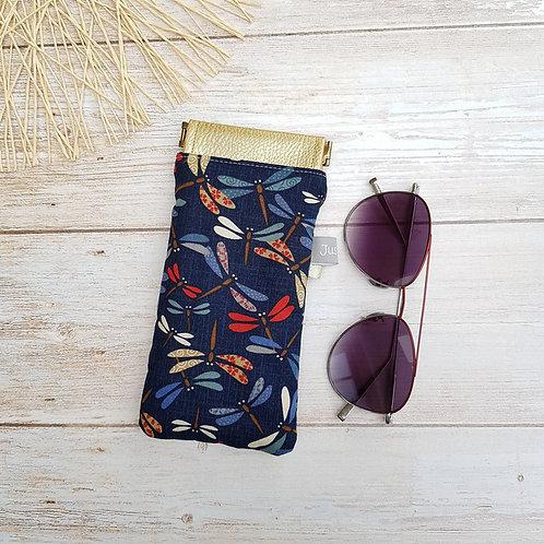 Etui à lunettes clic clac en tissu japonais fond bleu marine motifs libellules