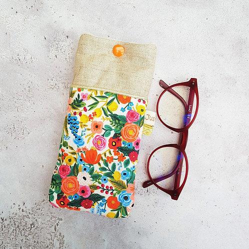 Etui à lunettes en tissu créateur rifle paper co motif fleurs fond écru