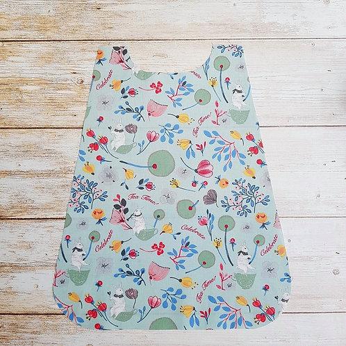 Serviette élastiquée personnalisable tissu coton motif fleurs et lapins