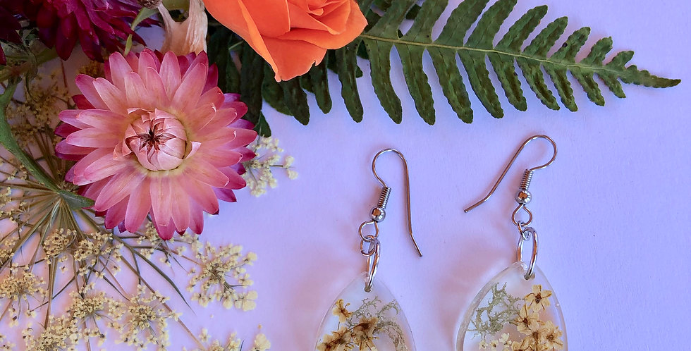 Queen Anne's Lace, Elderflower, Helichrysum & Moss