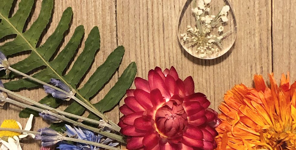Queen of Summer - Queen Annes Lace Botanical Pendant