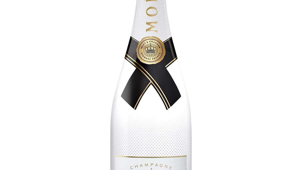 Moet & Chandon Champagne gekoeld
