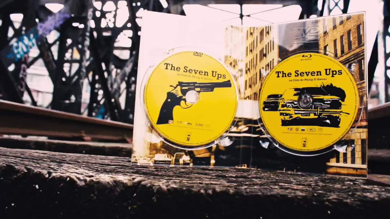 """7 bonnes raisons d'avoir notre édition de THE SEVEN UPS, sortie aujourd'hui :  1 course poursuite légendaire 2 incontournables du cinéma, Philip D'Antoni et Roy Scheider 3 parce que """"Jamais deux sans trois"""", le livre de Philippe Garnier 4 comme le no"""