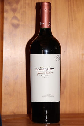 MALBEC Domaine BOUSQUET (Argentine)  Cultivé à 1600 mètres d'altitude, ce vin bénéficie de fraîcheur et de soleil d'Argentine: puissance et élégance pour ce vin en biodynamie.