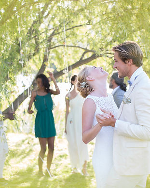 Les jeunes mariés,  le grenier des talents, wedding planner, organisateur de mariage, décoration de mariage, wedding planner, le grenier des talents, organisateur de mariage, mariage, organisation, wedding, beau, rennes, france, couple, mariés, mariée, marié, amour,