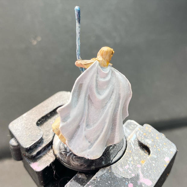 Pathfinder Deep cuts human female oracle (back)