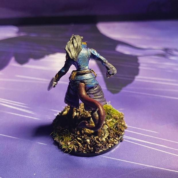 D&D Nolzur's Marvelous Unpainted Minis: W7 Female Tiefling Rogue (back)