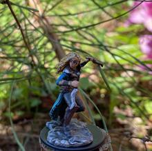 Pathfinder Battles female elf rogue (customized)