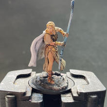 Pathfinder Deep cuts human female oracle (front)