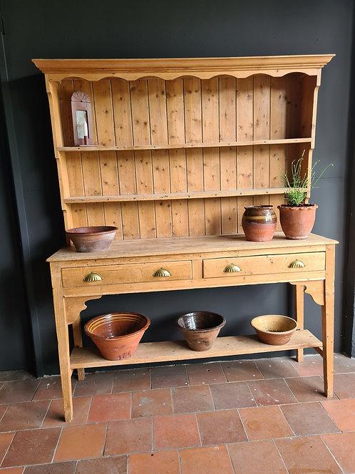 Pine Pot Board Dresser