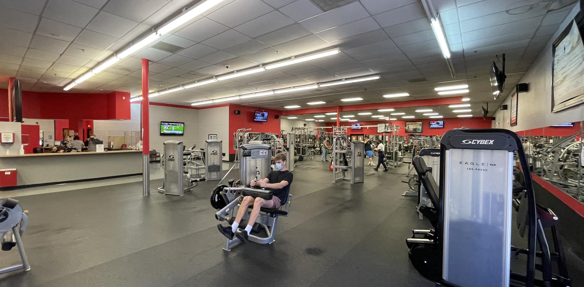 Life Fitness & Cybex machines