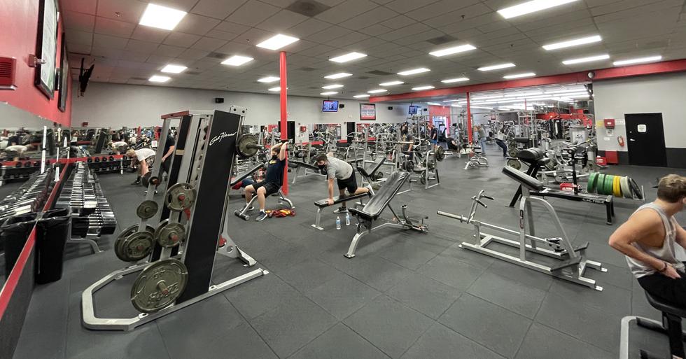 Smith machine & free weight area