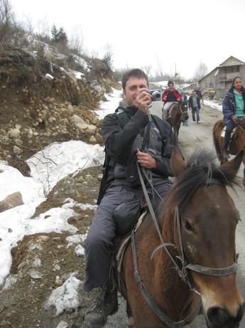 גרוזיה 4.2012 (ארז רוכב על סוס ומצלם תוך