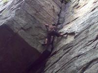 ארז מטפס על צוק 14.8.2010 (2).jpg