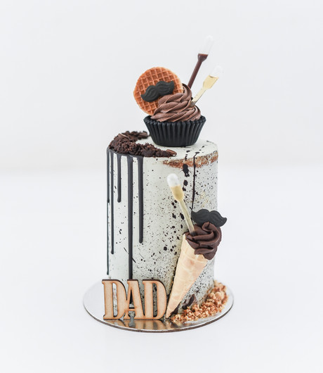 Fit for a KING: Father's Day Cakes