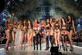 victorias-secret-fashion-show-visa-probl