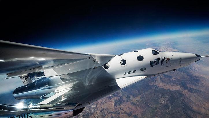 Virgin-Galactic-GQ-2Jun17_b-min.jpg