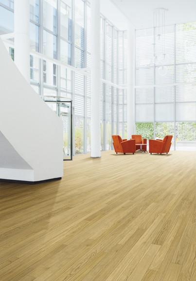 Pavimento in legno FOUR Rovere Commerciale Spazzolato Verniciato