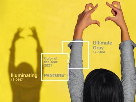 Colori Pantone 2021: arredamento in grigio e giallo